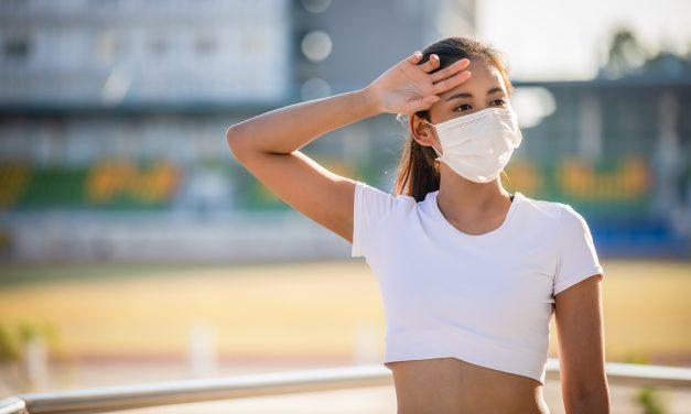 Caldo e mascherina: 4 consigli salva-pelle